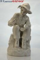 Юный геоолог - большая статуэтка